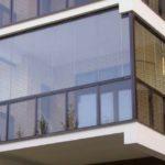 Варианты остекления балкона – заметки для новичков