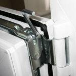 Регулируем пластиковую балконную дверь правильно!