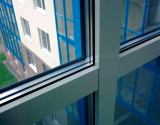 Как утеплить балкон с установленными стеклопакетами