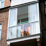 Как лучше застеклить балкон - советы профессионала