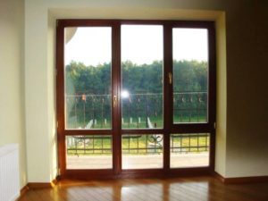Как открыть балконную дверь снаружи